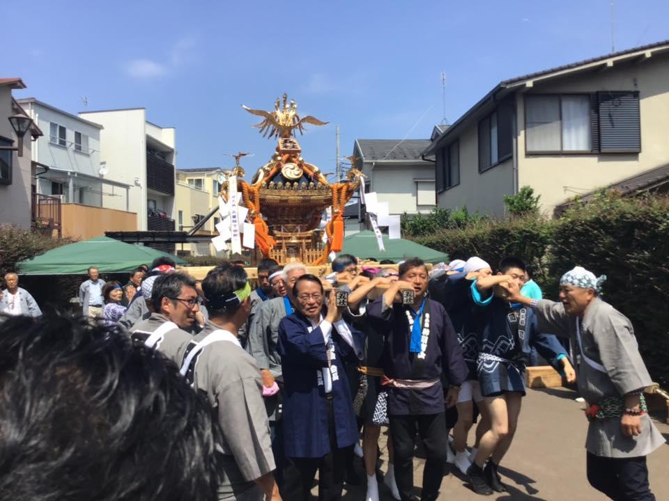 小岩神社 神輿かつぎ